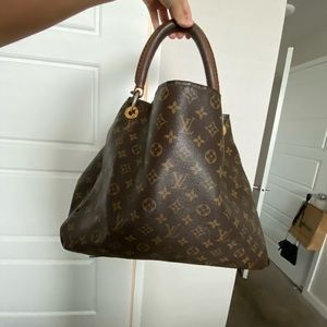 Authentic Louis Vuitton monogram handbag tote